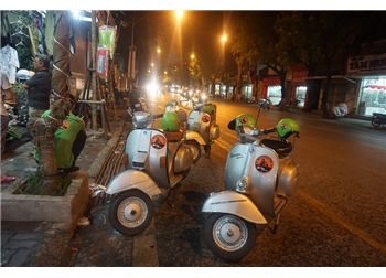 vespa tour hanoi - Hue vespa tour night food tour
