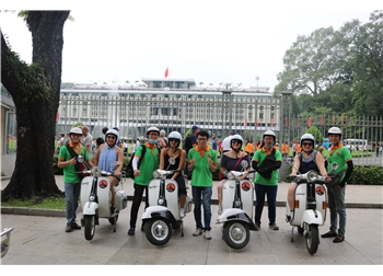 vespa tour hanoi - see over view of saigon 2,5 hours